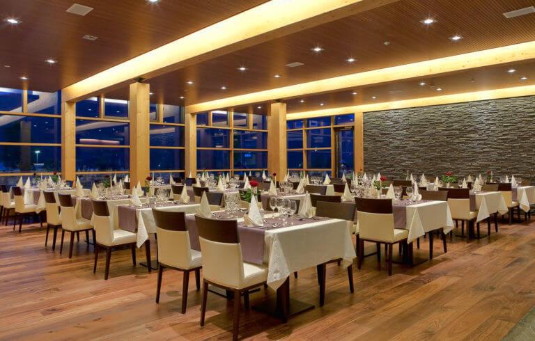 Restaurant Should Have a Website in Dubai uae